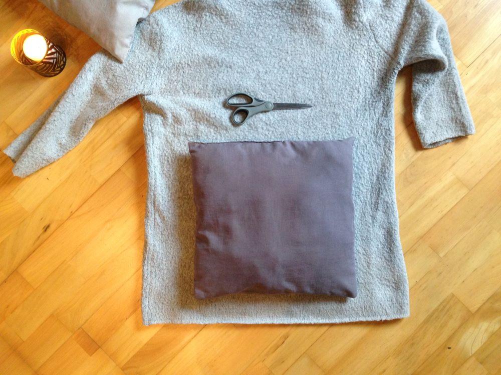 sweter i poduszka